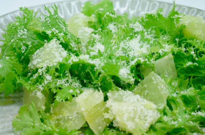 羊のチーズのグリーンサラダ